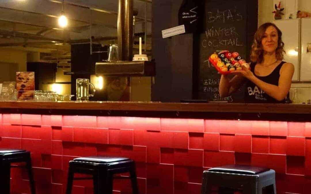 Das Bata Bar & Billiards sucht nette Service-Mitarbeiter (m/w/d)